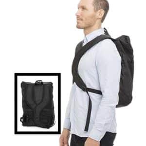 Swedish Posture Ryggsäck bärs mer centralt på bröstbenet och skonar axlar och rygg